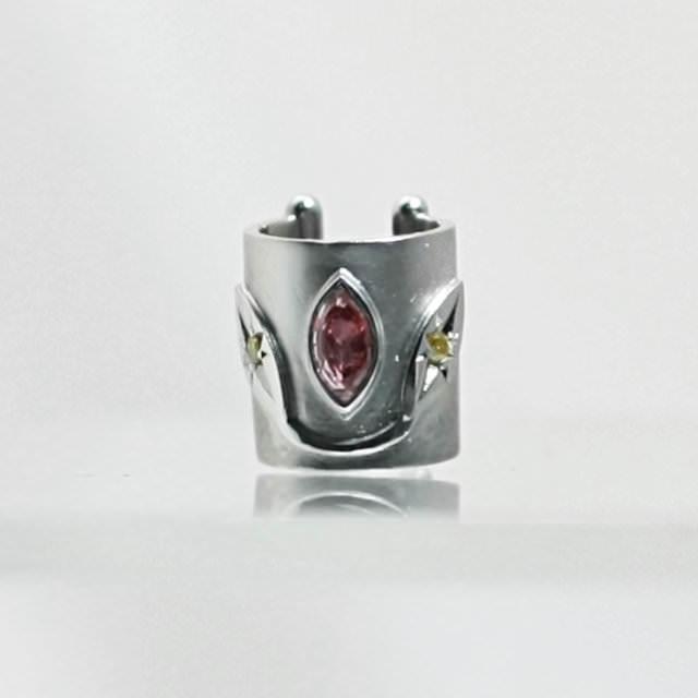oj280080-diamond-spinel-ear-cuff.jpg