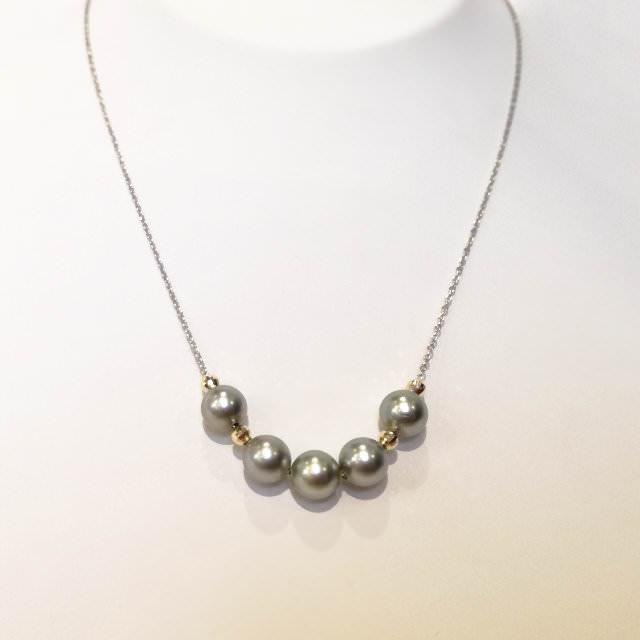 真珠余り珠のネックレス