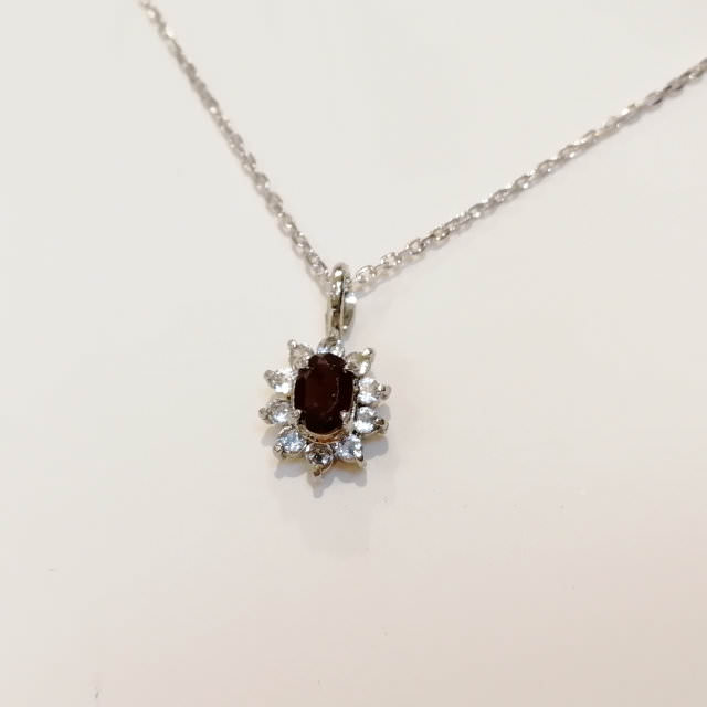 OJ300054-pendant-necklace-after.jpg