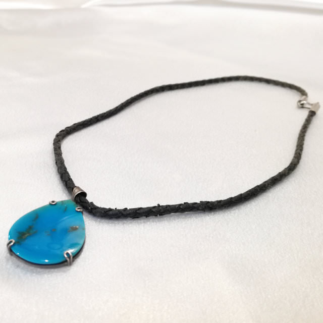S300283-necklace-before.jpg