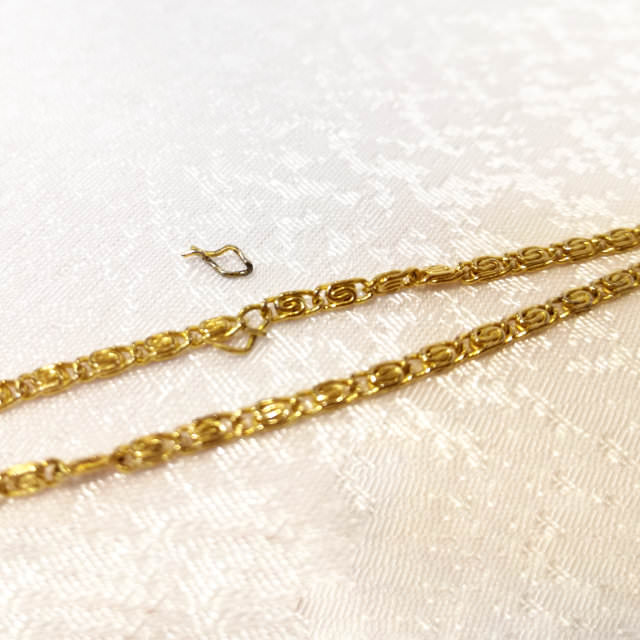 S300122-necklace-before.jpg