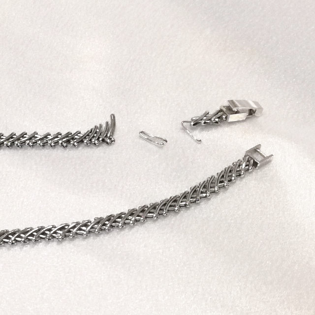 S320013-necklace-pt850-before.jpg
