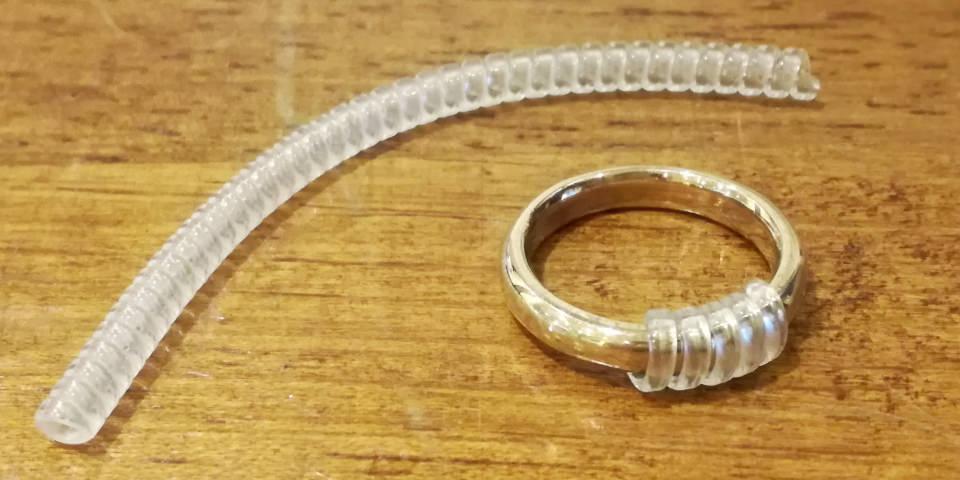 リングアジャスターによる指輪のサイズ調整