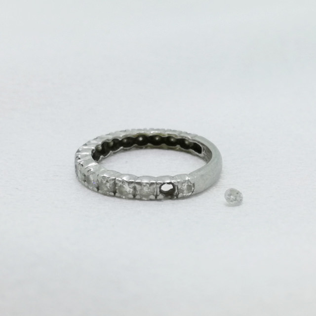 S320336-ring-pt900-before.jpg