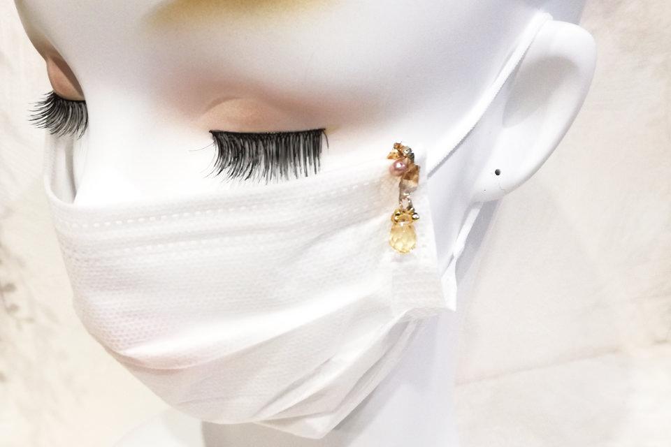 シトリントパーズ・ヘマタイトマスクチャーム(MC012)着用イメージ