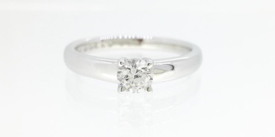 婚約指輪の爪の種類-4本爪