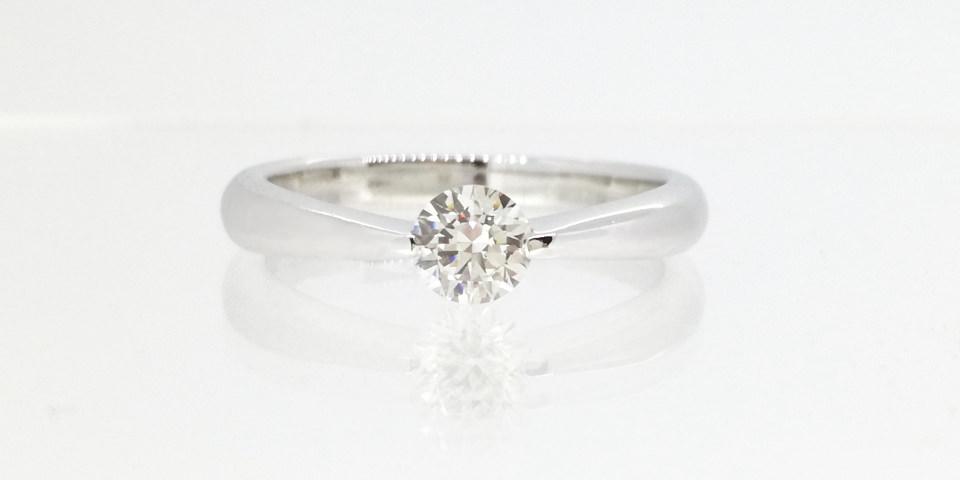 婚約指輪の爪の種類-2点を挟む爪