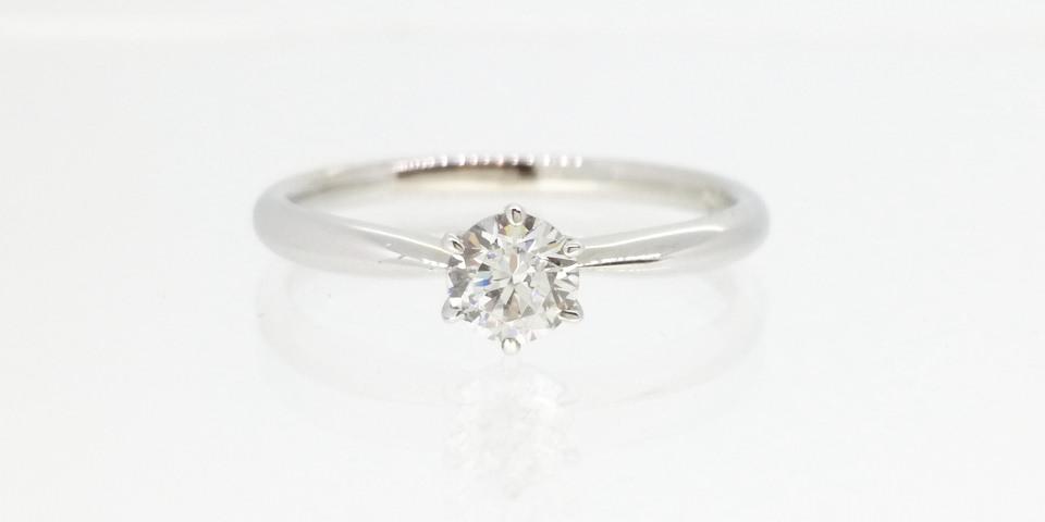 婚約指輪の爪の種類-6本爪