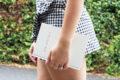 婚約指輪のダイヤモンドを留める爪の種類